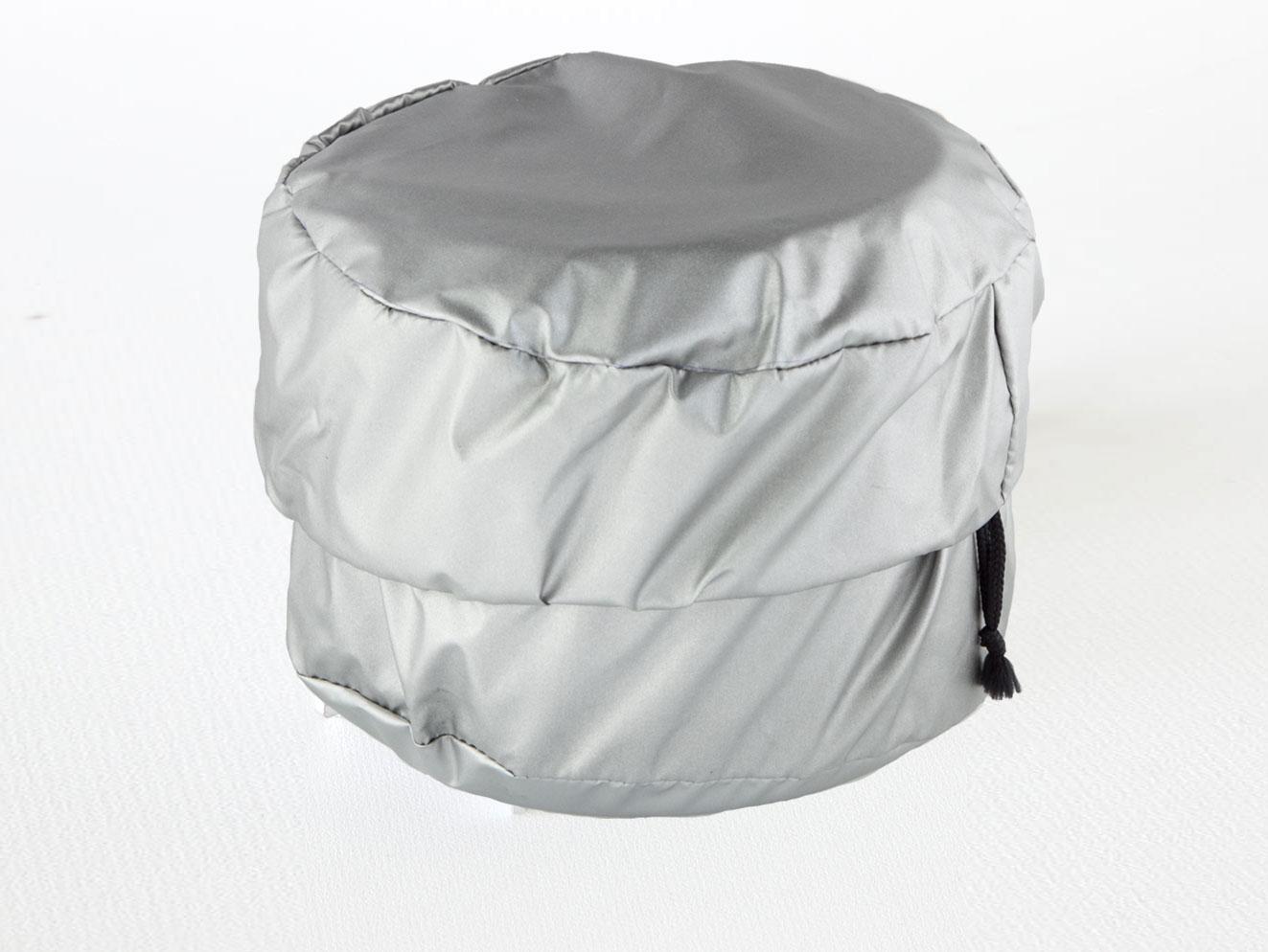 Suojattujen kattiloiden sisälle pakattuna Juuvi on suojassa, eivätkä kattilat tai puupoltin sotke reppua.